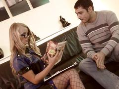 Blonde bombshell gets really horny while investigating