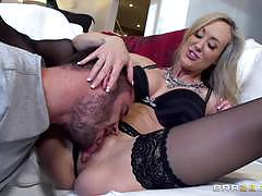 Club owning milf brandi love tries out a hot cock