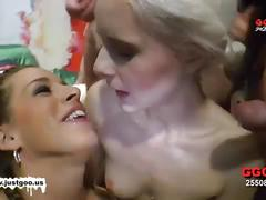 German goo girls - sharing is caring