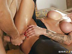 Hot brunette milf squirts after anal pounding