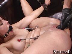 Mistress strapon fucking