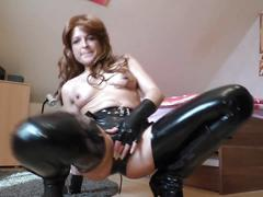 Milf latex masturbation 6