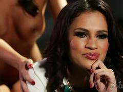 Vanessa veracruz dominated abigail mac