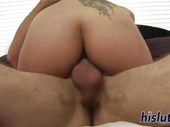 Asian hooker gets her pussy pummeled