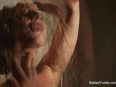 Dahlia sky masturbates in the shower