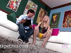 Sofie carter gives amazing footjob