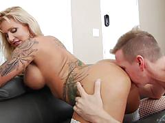 Randy milf ryan conner gets her ass fully stretched