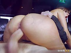 Newbie cindy loarn fucks the boss for a new job