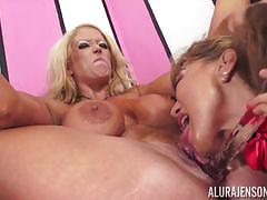 Beautiful lesbians ava devine and alura jenson munching on pussy hole