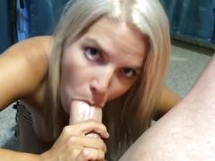 Pov blowjob : cum on my pretty face.