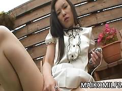 Japanese wife sucking hard cock