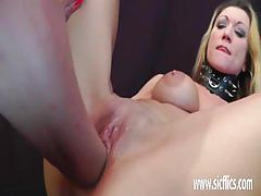 Luscious babe dildo fucks her hot pussy