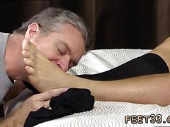 Gay russian feet sleepy kenny gets foot worshiped