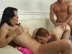 Threeway session with holloway and evilyn fierce