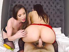 Casey calvert and valentina nappi fuck in threesome