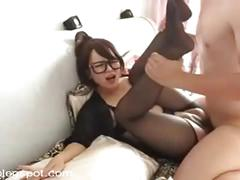 Amateur chinese girl enjoys a good fuck while taking phone calls