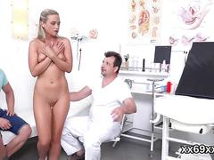 Guy assists with hymen physical and penetrating of virgin kitten