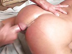 Blonde phyllisha anne gives luck dude more than a bargain