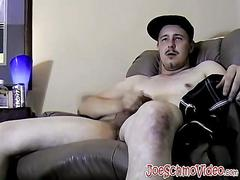 Quirky cricket jerks off his tool on cam for some cash