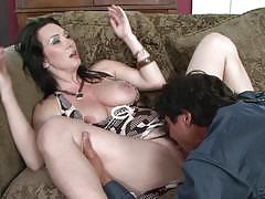 Hot pussy creampie for sexy milf rayveness