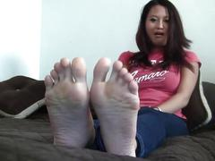 Sexy asain girl with sexy soles
