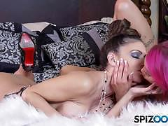 Anna bell peaks slurps on the pussy of jessica jaymes