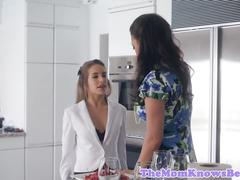 Classy les stepmom tribbing with stepdaughter