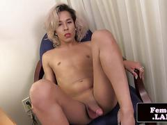 Solo femboy wanking during solo session