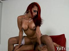 Red haired shemale rayna leah analyzed on the couch
