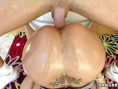 Spitroasting brunette hottie jessica bangkok