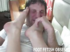 Temptress letting her lover worship her sexy feet