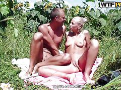 Sexy scenario at the picnic