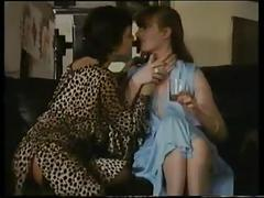 Vintage lesbians turns to threesome (mff)
