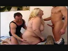 A bbw gets a 2 guy surprise - splat!
