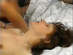 Trimmed vintage babe gets fist fucked in a close up