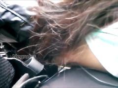 Encoxcando touch hombro en el bus parte 2