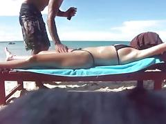 Esposa se exibindo na praia