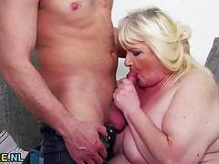 Chubby blonde gets her pussy hammered