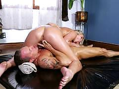 Minge slammed lexi love with slippery hard cock