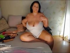 Curvy german sexy big tits milf with cleavage