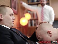 Mormon hunk gets sucked