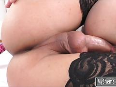 Big tits shemale barbara perez fucked pervert guy on the bed