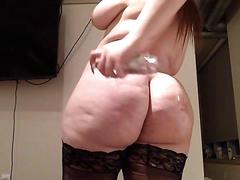 Big ass milf riding a dildo on webcam in stockings