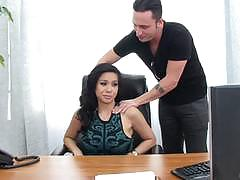 Horny boss kimmy lee pussy popped with hard long dick