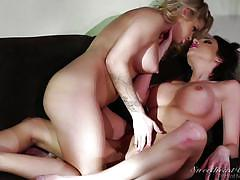 Jaclyn gets comfy with her new daughter @ lesbian stepmother 2