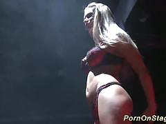 Hot babe enjoys live sex show