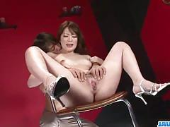 Asian brunette gets her pussy toyed
