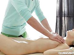 Massage quickly turns to sex