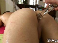 Tattooed stud sucking off big dick during oil massage