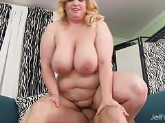 Plumper nikky wilder gets her pussy slammed